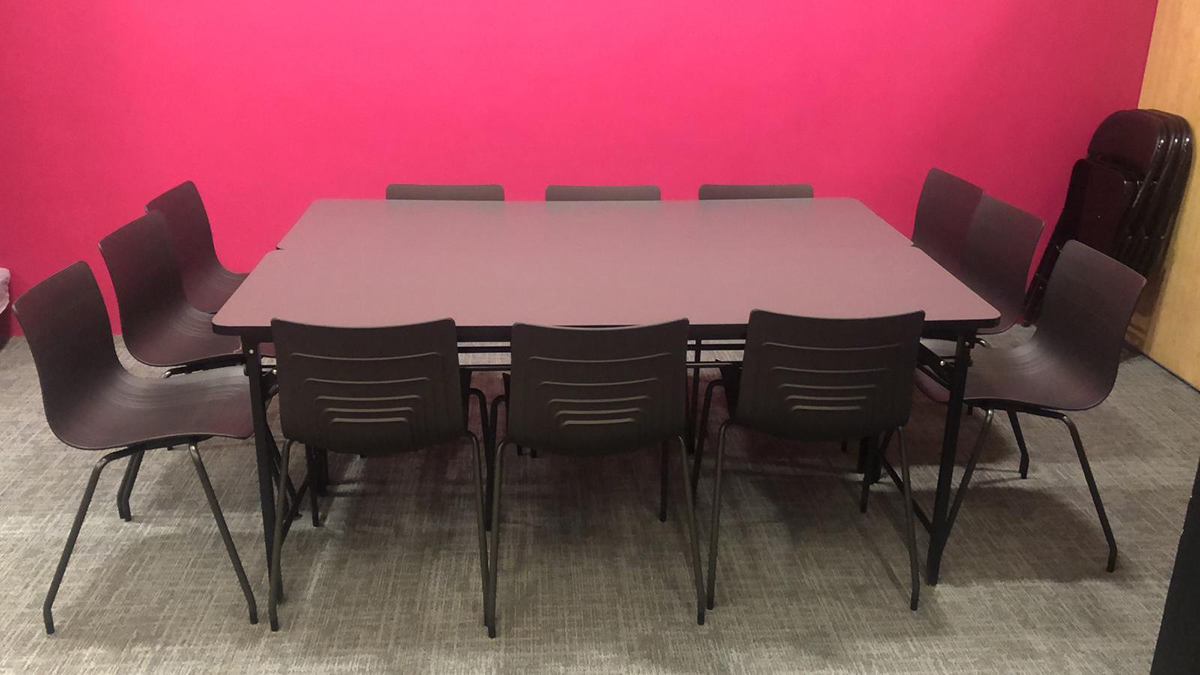 conference room 04
